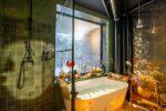 Kleine freistehende Badewanne